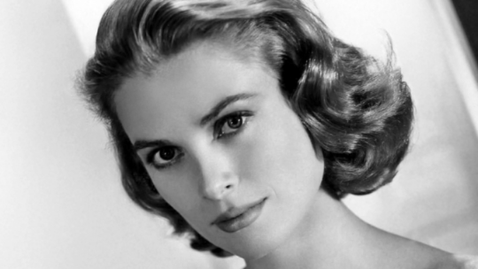 "Grace Kelly, il ""ghiaccio bollente"" di Hollywood"